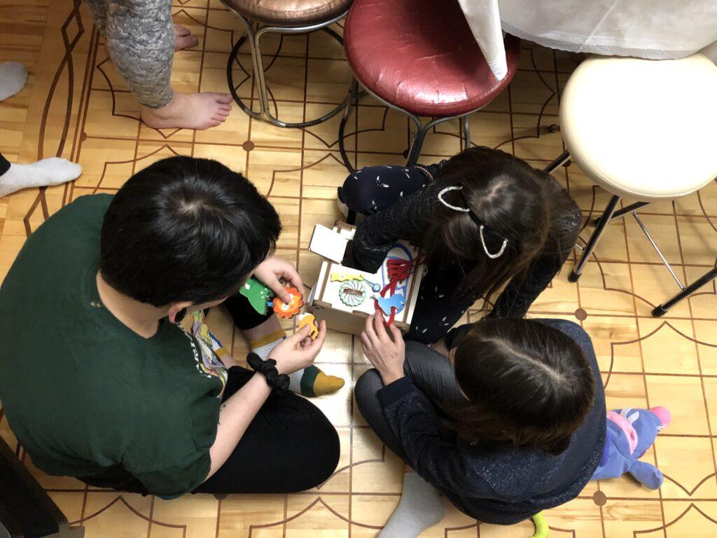 Первый день рождения | Дети заняты - родители спокойны