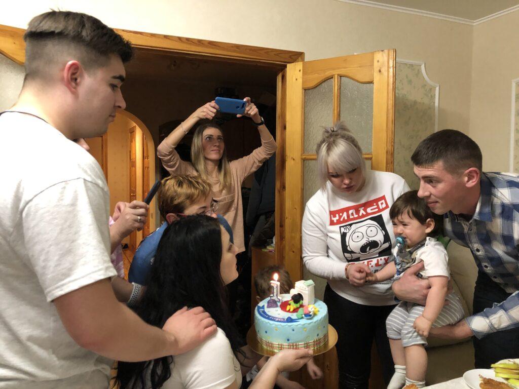 В первый день рождения к такому не каждый ребёнок будет готов